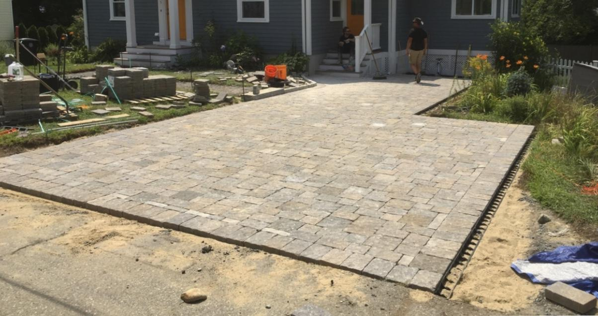Beautiful new Myrtle Beach paver driveway installed by Outdoor Kreations